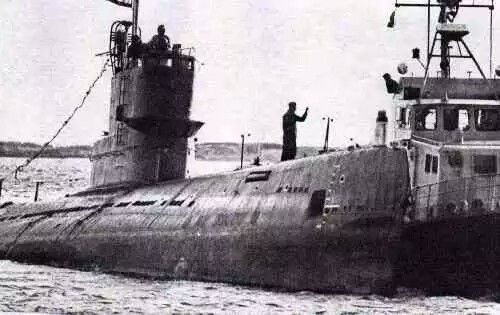 n October 1981, the Russian Submarine W-137 accidently navigated on an underwater rock about 2 km from the Swedish main Naval Base at Karlskrona. The boat was stucked on the rock for nearly 10 days.