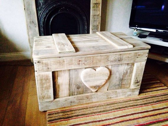 Toy box with safety hinges made from reclaimed pallet wood shabby chic