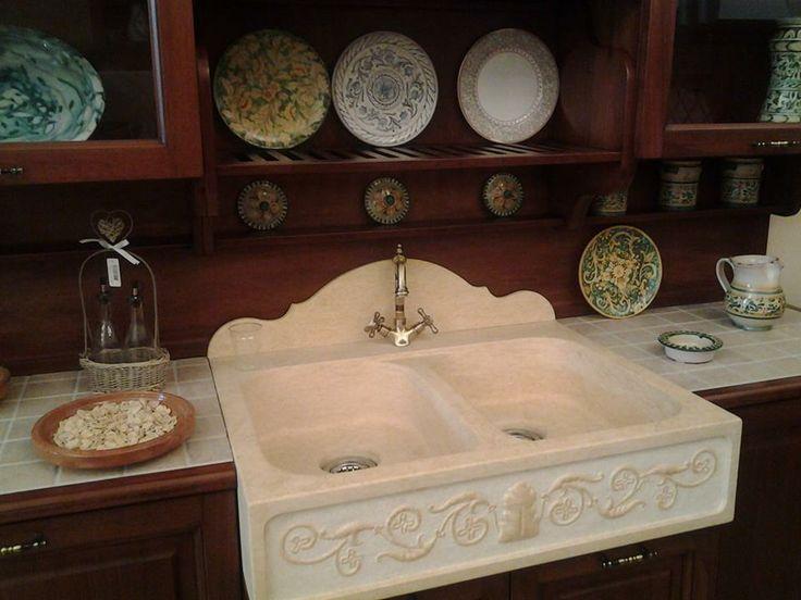 lavello in marmo della linea classica di cucine della nonna