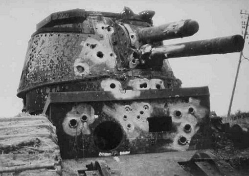 Char 2C BEATEN TO DEATH BY GERMAN FIRE, MAY 1940.