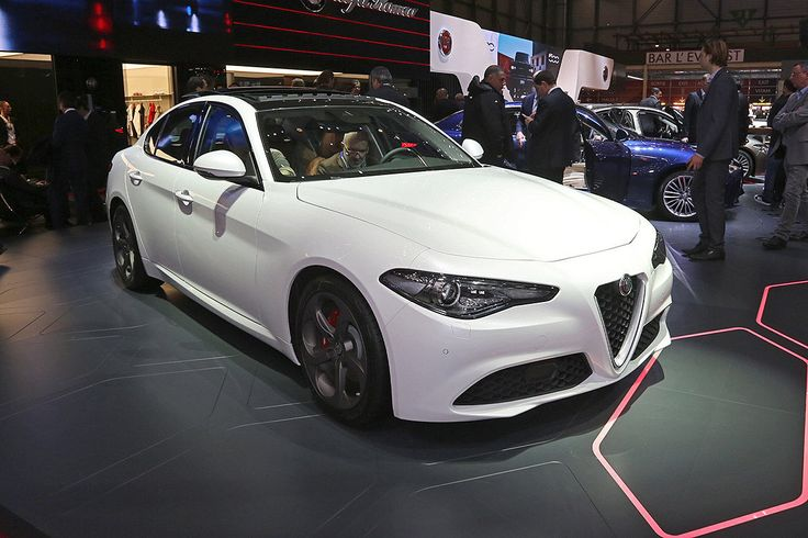 Der neue Alfa Romeo Giulia ist endlich im Handel. AUTO BILD hat alle Infos zu Motoren, Preisen und Ausstattungen.