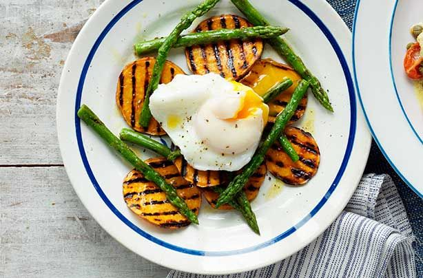 This delicious breakfast or lunch recipe is simple to make. With a gooey poached egg, soft griddled asparagus bursting with flavour and sweet, creamy potato, this tasty dish only takes 30 mins to rustle up. This recipe is great if you're trying to be healthy - the egg is packed full of protein and will keep you fuller for longer. The sweet potato is much healthier than normal potato along with the asparagus which is full of healthy nutrients. Serve with a light dressing and enjoy!