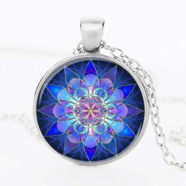 Blue Mandala Lotus Glass Henna Pendant Yoga Charm Necklace Description:Shape: Round Pendant Size: 25mm Length: 50cm Style: Vintage Chain