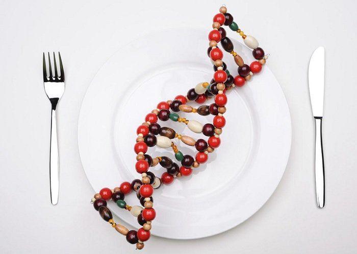 """""""Los genes son los átomos de la herencia"""" –Seymour Benzer Conocerlaspartes nos ayuda a entender el conjunto.Así como el átomo es la unidad irreducible de la materia, el gen es la unidad básica de la información biológica, de nuestra herencia. Los átomos nos ayudana entender la materia y el universo. Losgenes nos ayudana entendernuestra evolución, identidad y patrón deenfermedad. Pero al igualqueel todo es más que la suma de las partes, los humanos somos más que lasuma de nuestros…"""