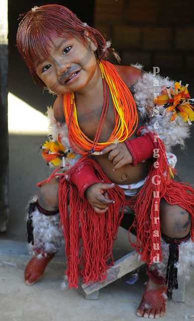 tapirapé Indian from The Amazon - She is adorable & like all children, she is enjoying the attention...