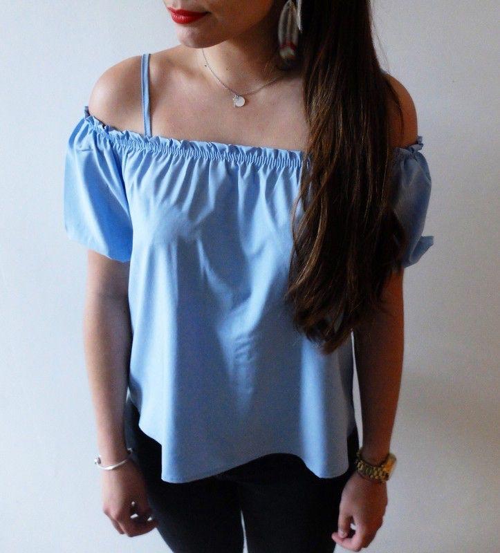 Haut bleu épaules dénudées boutique indépendante ! Taille 38 / 10 / M  à seulement 29.00 €. Par ici : http://www.vinted.fr/mode-femmes/autres-hauts/32540422-haut-bleu-epaules-denudees.