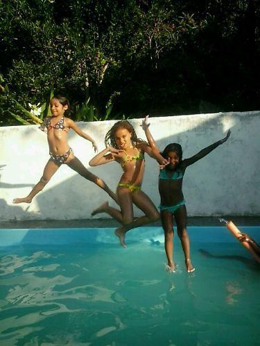 Curta a Flip de 01/07 à 05/07 em Paraty, RJ, nessa linda casa com piscina por um preço que cabe no seu bolso! Reserve Agora: http://www.casaferias.com.br/imovel/110141/casa-c-piscina #flip #festaliterária