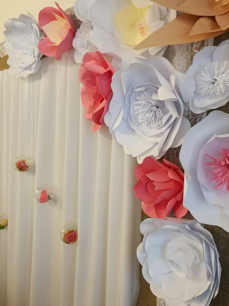 #papírvirág #rózsaszín #fehèr #paperflower #háttèr #esküvő #dekoráció #alexandraeskuvo  www.alexandraeskuvo.hu
