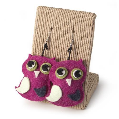 ORECCHINI CIVETTE FUCSIA  -  Orecchini con pendente in lana cotta a forma di civetta.