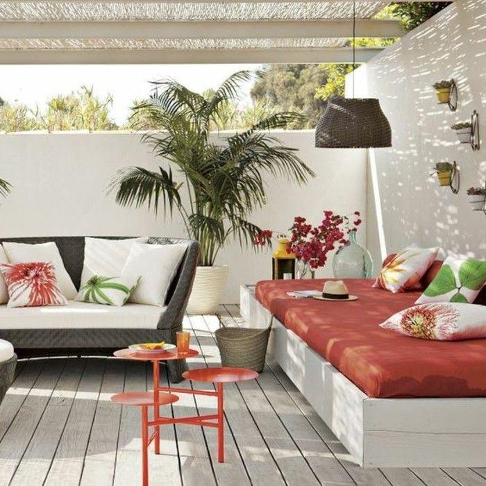 Idée d'aménagement extérieur en blanc et en rouge...