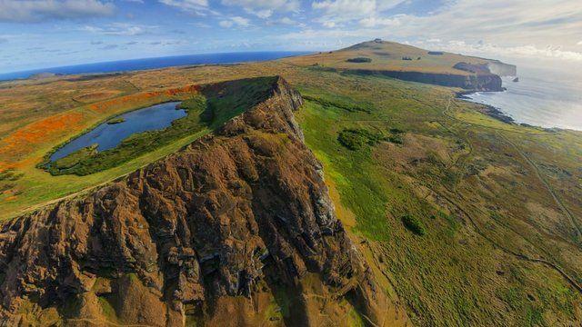 Vista aérea del volcán Rano Raraku, en Isla de Pascua