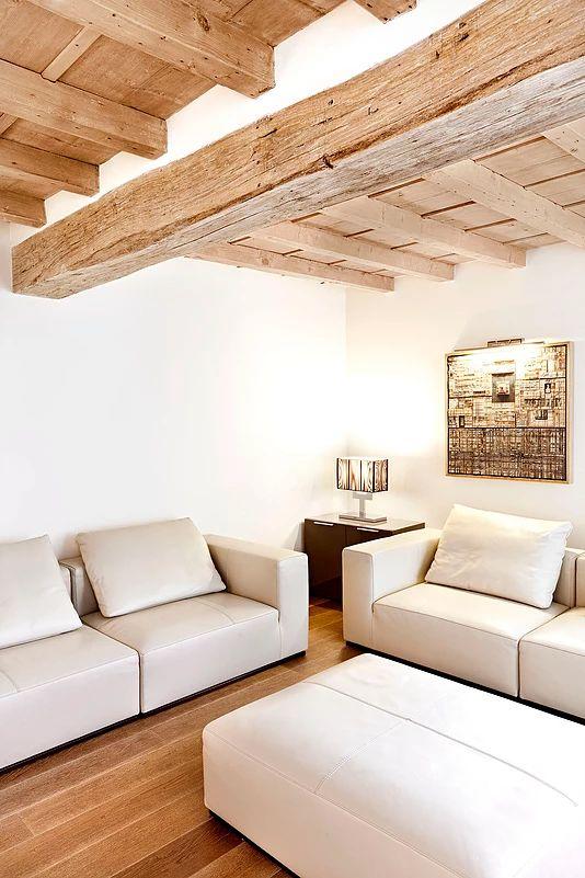 BRANDO concept | living soggiorno parquet interior design contemporaneo minimal caldo legno wood divano pelle chiaro lineare moderno