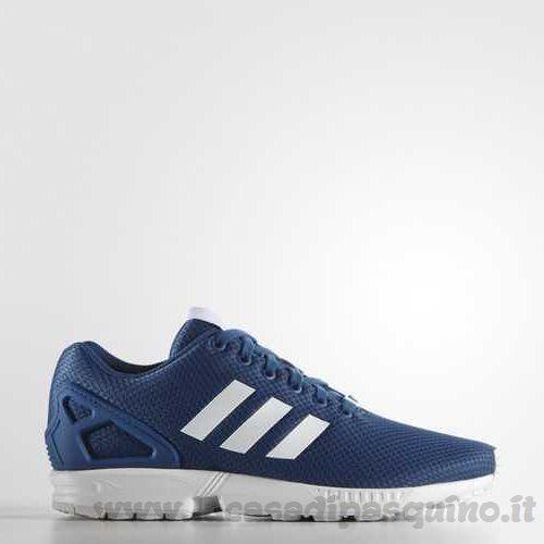 Vestito blu uomo scarpe adidas