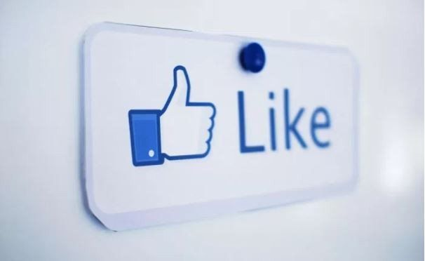 5 Facebook Buttons Parents Wish They Had