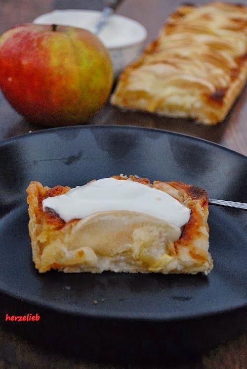 Das Rezept für diesen Apfelkuchen mit Marzipan ist ganz einfach und leicht nachzumachen
