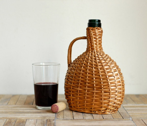 such a romantic summer way of storing wine.