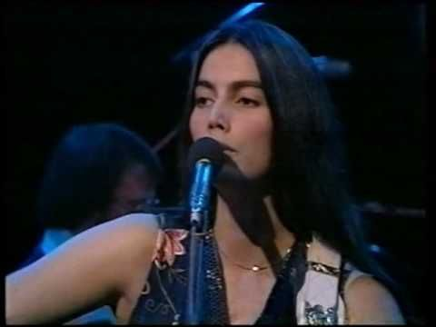 "Emmylou Harris - Making Believe (1977) ""This is such a simple but beautiful tear-jerker.  B54.org"""