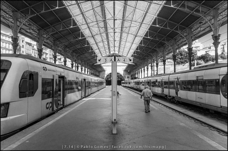 """""""Solidão"""" / """"Loneliness"""" / """"Soledad"""" [2014 - Porto / Oporto - Portugal] #fotografia #fotografias #photography #foto #fotos #photo #photos #local #locais #locals #europa #europe #pessoa #pessoas #persona #personas #people #cidade #cidades #ciudad #ciudades #city #cities #street #streetview @Visit Portugal @ePortugal @WeBook Porto @OPORTO COOL @Oporto Lobers"""