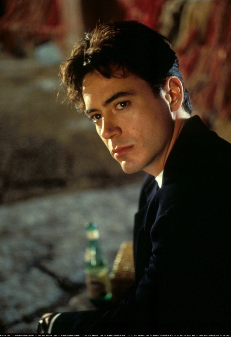 "young Robert Downey Jr...as if he's ""old"" now...handsome as ever!!"