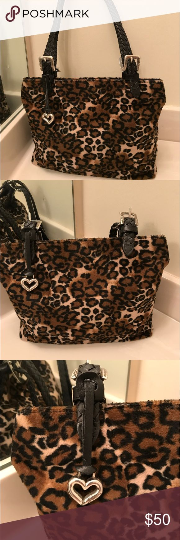 Brighton Animal Print Black/Brown Shoulder Bag Brighton Animal Print Black/Brown Shoulder Bag. Gorgeous animal print Brighton Handbag is roomy and stylish for any occasion. GUC. 🚫🚫Trades, paypal, any questions in the comments regarding price please use the offer button or they will be ignored🚫🚫 Brighton Bags Shoulder Bags