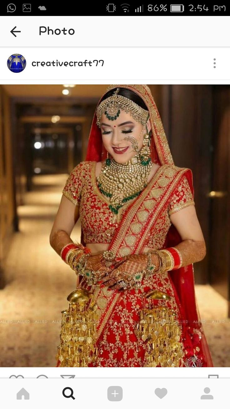Contrast jewelry with red lehnga