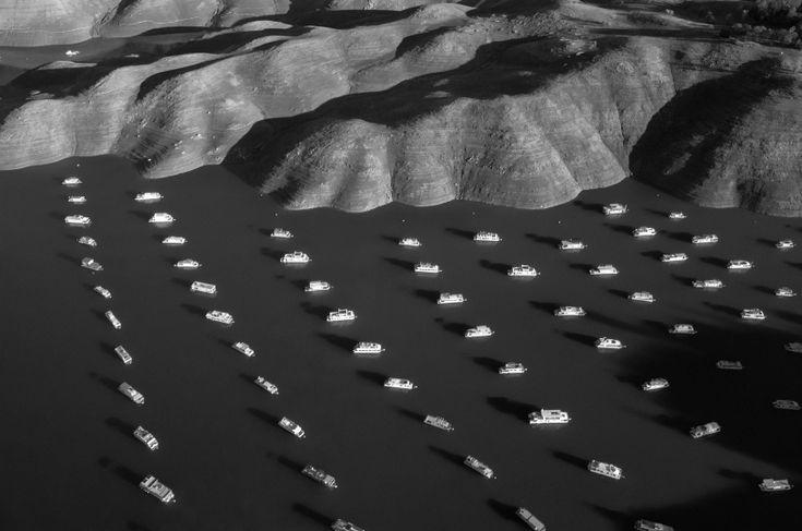 Les 10 photos qui ont marquées l'année 2014 selon le TIME : 5/ Thomas van Houtryve. Lac Oroville, Californie. 25 novembre 2014.