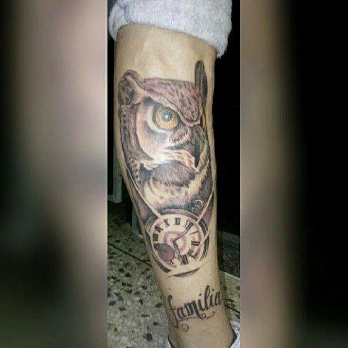 @tributotattoostudio está en el CC Edison subiendo las escaleras.  Trabajo realizado por @sukotattoo. Citas disponibles que esperas??!!! Trae tus ideas y tatuate con los mejores. Para mayor información escríbenos al DM o a los teléfonos de contacto  #tributotattoostudio #teamtributo #familiatributo #tatuadores #tatuadoresdearagua #tattoolife #tattoovenezolano #tatuadoresdevenezuela #tatuadoresdevzla #publiciudadmcy #buhotattoo #blackwork