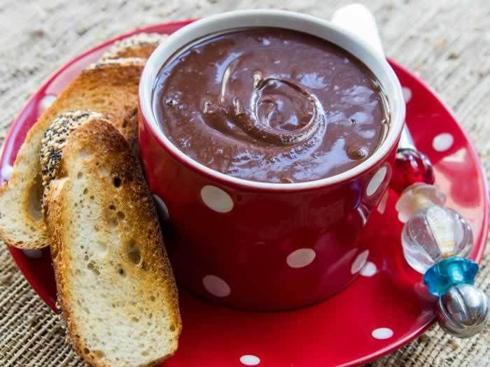 Super-Easy Homemade Nutella (Hazelnut Butter & Cocoa Spread)