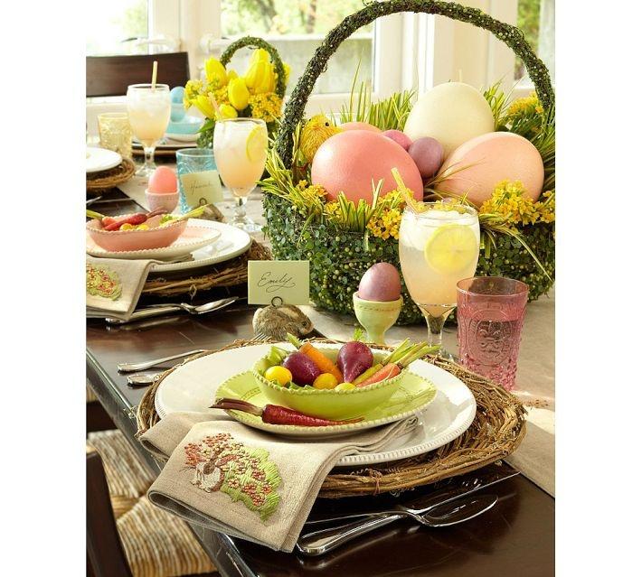 u003c3 Easter Table  sc 1 st  Pinterest & 188 best Easter Tables images on Pinterest | Table decorations ...