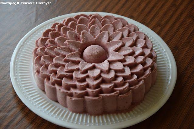 Νόστιμες κ Υγιεινές Συνταγές: Παγωτό φράουλα χωρίς ζάχαρη και παγωτομηχανή, με 3 υλικά, έτοιμο σε 4 λεπτά