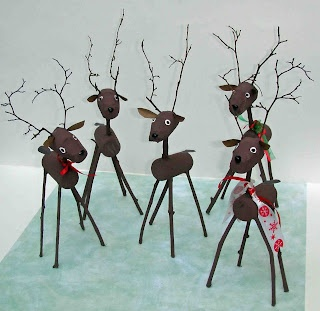 Crack of Dawn Crafts: Reindeers made from  Corks and twigs