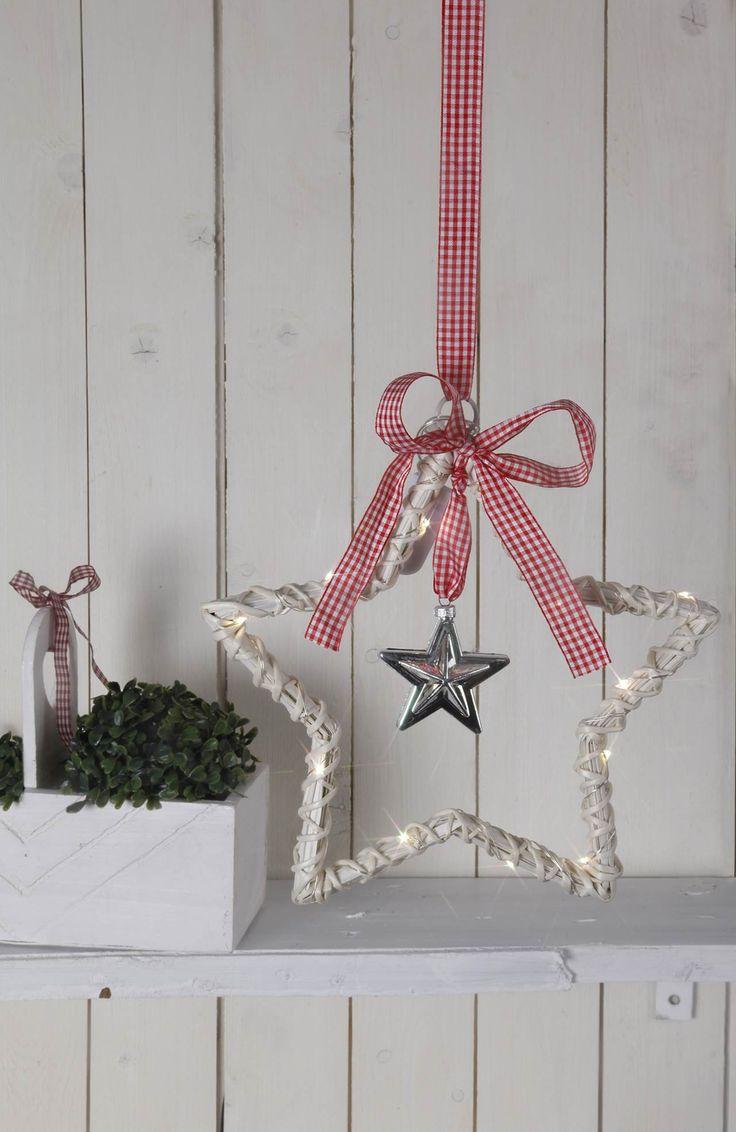 Ozdoba świetlna Star Willow  na http://www.halens.pl/dom-boze-narodzenie-8145/ozdoba-swietlna-star-willow-532862?imageId=141534973658159072&variantId=532862-0002 55 zł