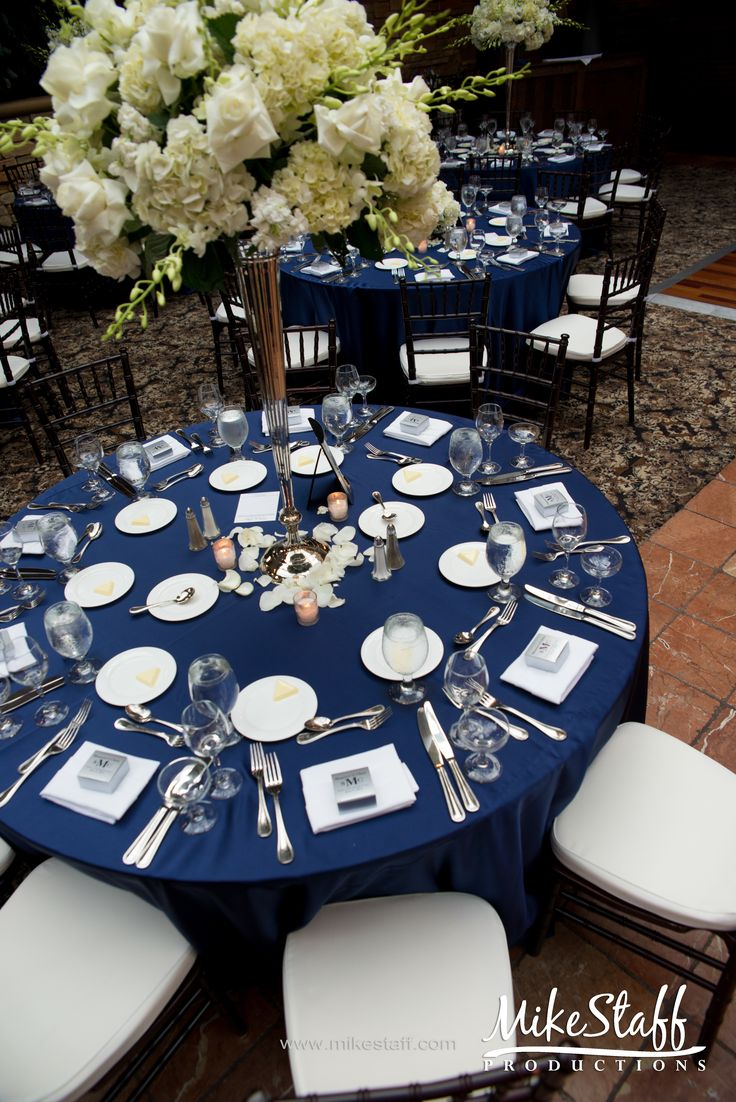 navy blue table setting