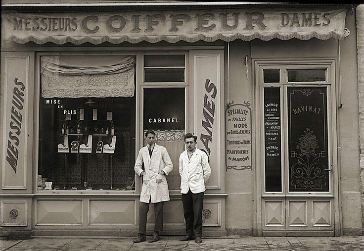 Photo ancien commerce Toulouse Coiffeur Barbier Parfum Beauté repro an. 1920