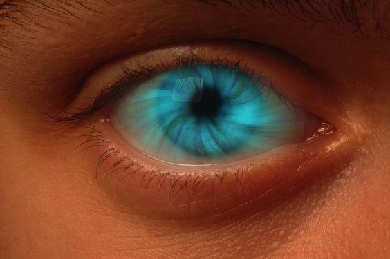 Dans les yeux Nous savons tous qu'un état modifié de conscience peut être atteint par bien des moyens, y compris les drogues psychédéliques ou la méditation