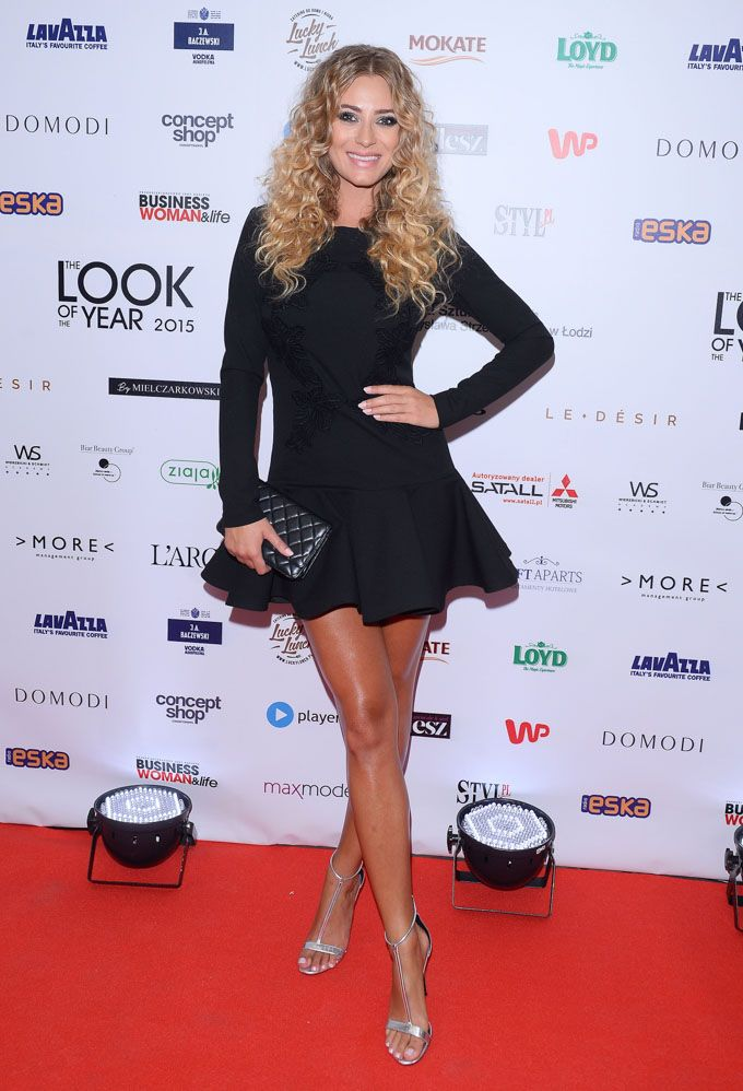 Marcelina Zawadzka eksponuje długie nogi! Zobacz, jak prezentuje się modelka - KimKim.pl