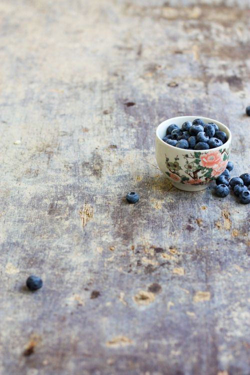 Simple, just a cupful of blueberries.  The Sun Also Sets.