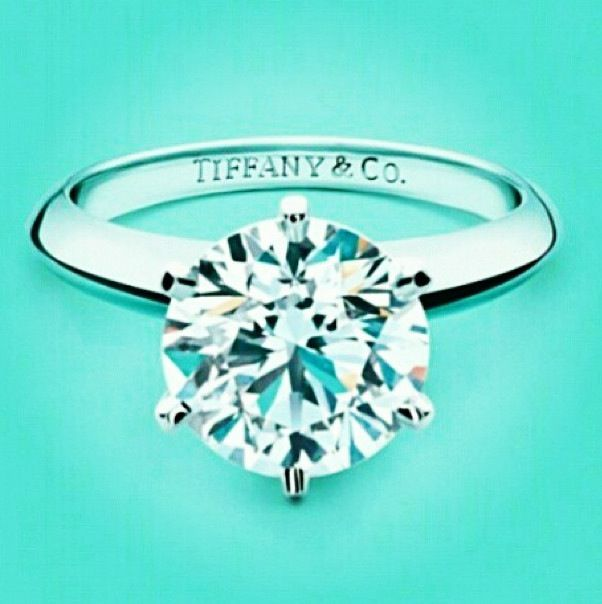 Beautiful Tiffany ring. I would love to have this ring! Pretty, Polished and Professional ❤️.
