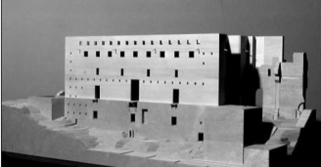 Giorgio Grassi: Roman Theather of Sagunto. Immagine 1 by archiwatch, via Flickr #arquitectura #giorgio grassi #maquetas #teatro #españa
