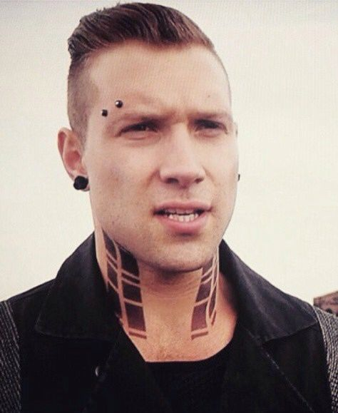 how is even this face with those piercings and tattoos and that dumb expression how is it still hot