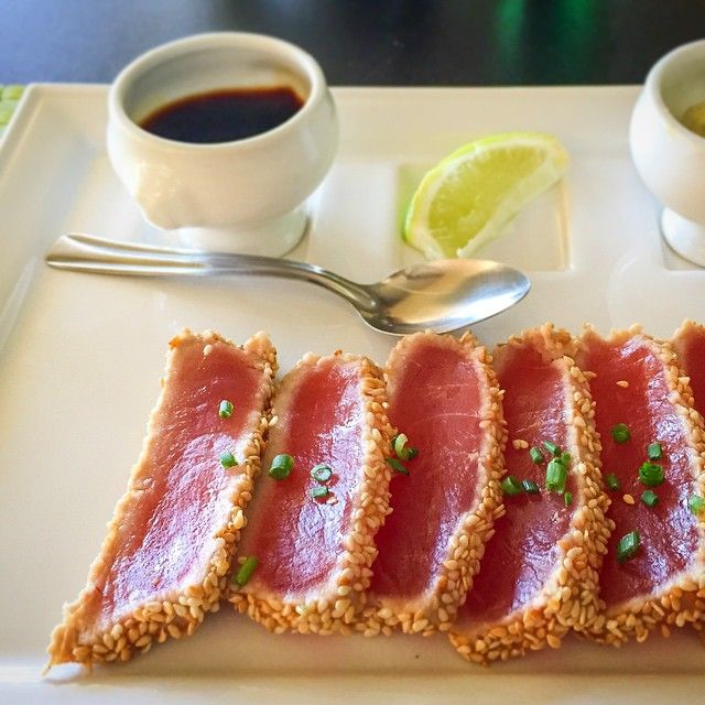 Tuna tataki @ La Pirogue, Chateau Royal, Noumea, New Caledonia