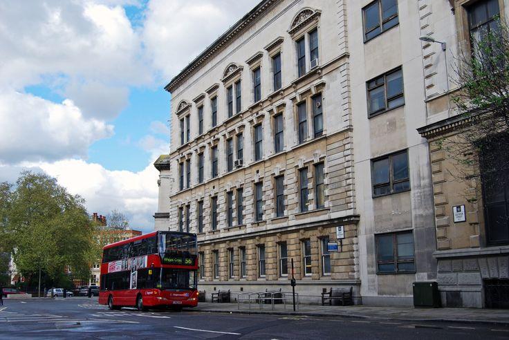 Visite os cenários e museu de Sherlock Holmes em Londres. Imperdível para os fãs do detetive e curioso para quem visita a cidade. Vale a pena!