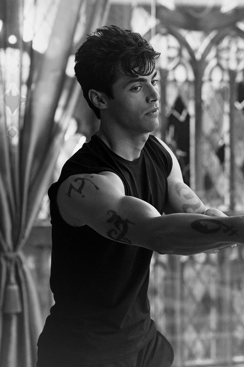 Matthew Daddario - Alec Lightwood - Shadowhunters