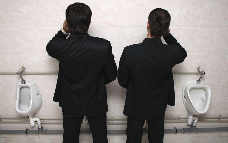 Maioria das pessoas usa o celular no banheiro, mostra pesquisa (Foto: Thinkstock) http://glo.bo/1yTnOUq