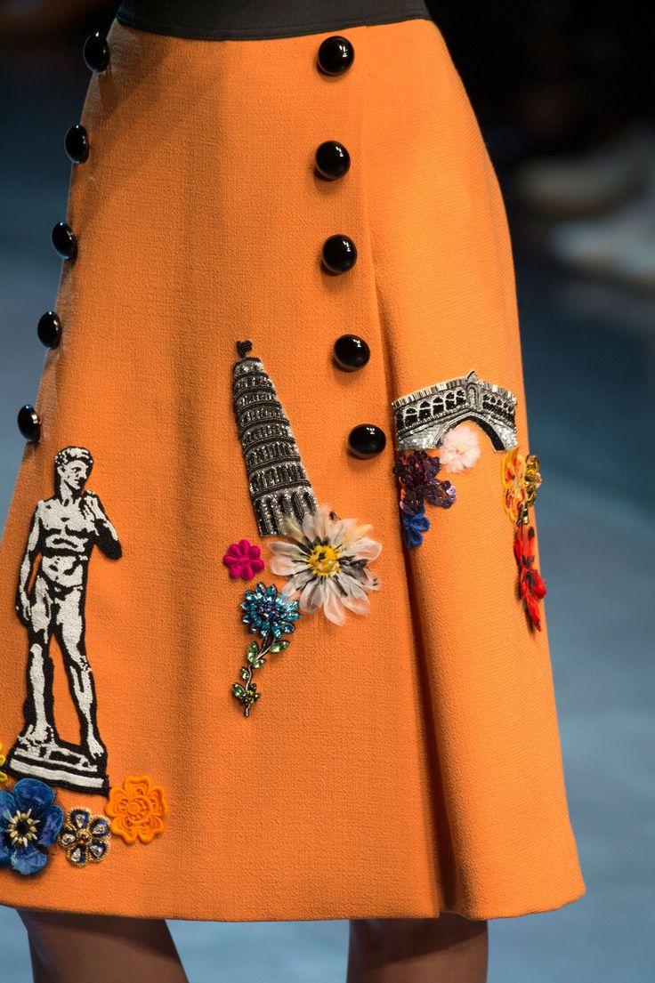 sofiazchoice:  Dolce & Gabbana at Milan Spring 2016  Bonjour,nous sommes Katarina et Violeta. Nous adorons la mode