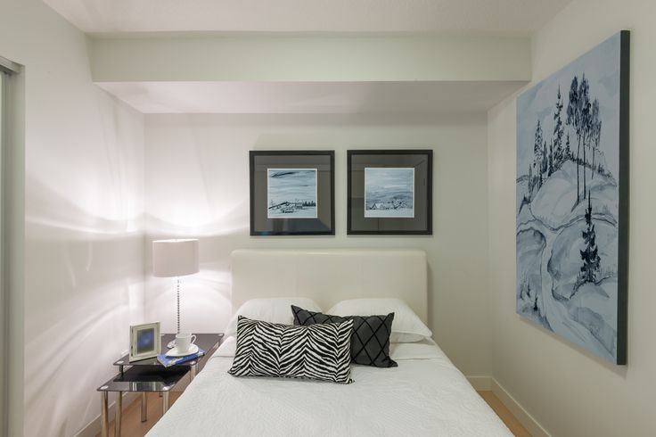Een witte muurverf voor een slaapkamer wordt vaak gekozen. Een goede muurverf dekt goed en is makkelijk overschilderbaar. Meestal is een of twee lagen voldoende.