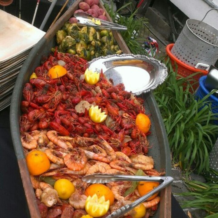 Seafood Boil Presentation This Is The Best Idea Ive Seen