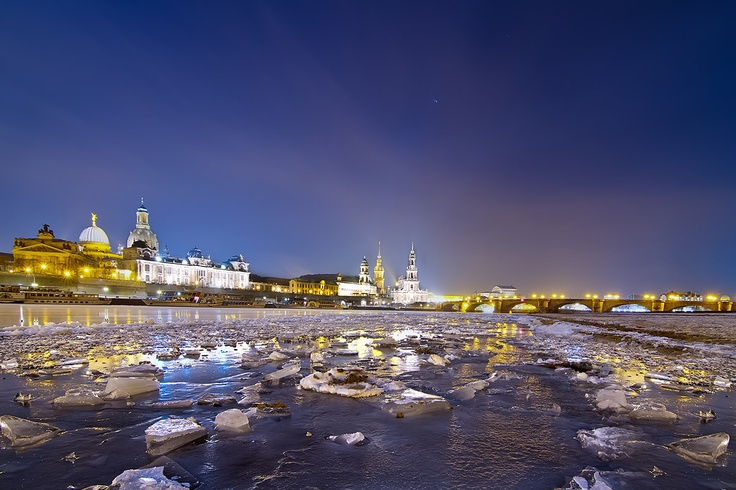 Dresden in the winter by lensviews.de