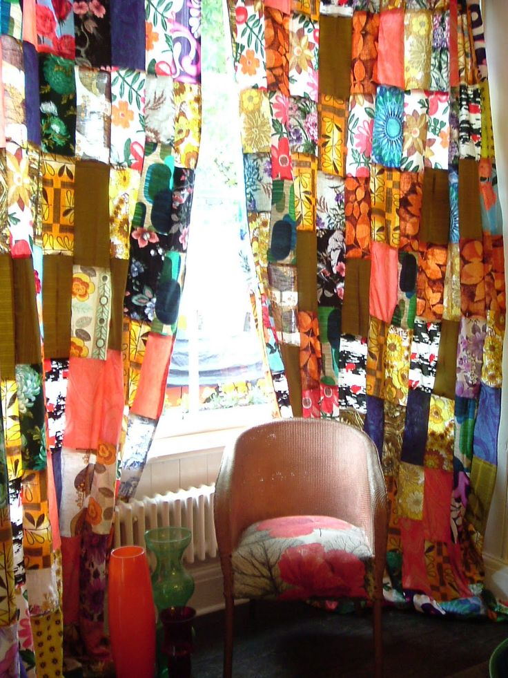 Wild patchwork curtains DON'T FORGET CHAIR AND HANGING MACRAME CHAIR AND ORANGE PAPER LIGHT