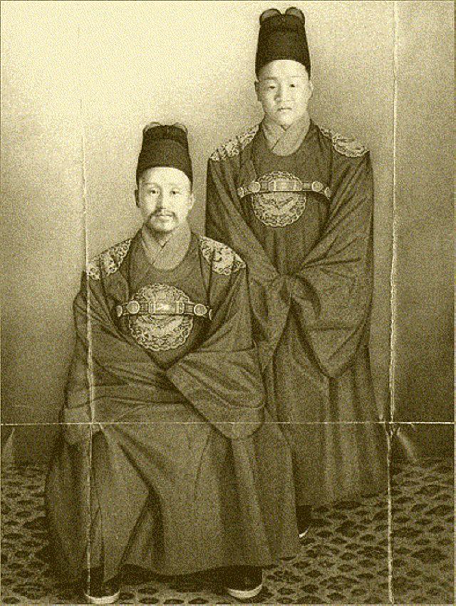 조선왕조 500년을 마지막으로 장식한 고종과 순종(1900년경)